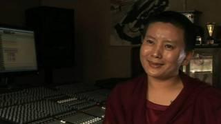 आनी छोयिंग डोलमा , नेपाली गायक