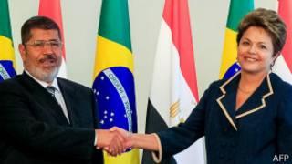 Morsi e Rousseff / AFP
