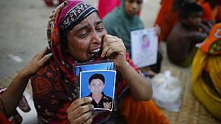 Mujer llora familiar desaparecido