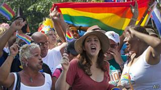 Mariela Castro en la marcha contra la homofobia