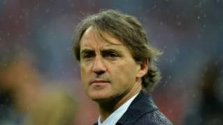 المدرب روبرتو مانشيني