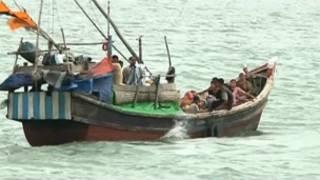 Boat carrying Rohyngya Muslims