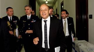 ژان ایو لا دریان، وزیر دفاع فرانسه