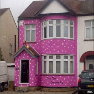 casa pintada de rosa (foto: BBC)
