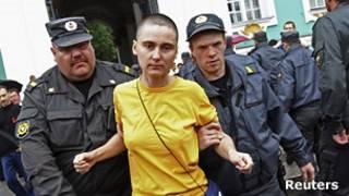Задержание участников акции в защиту секс-меньшинств в Петербурге
