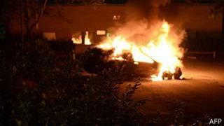 Auto quemado en Suecia