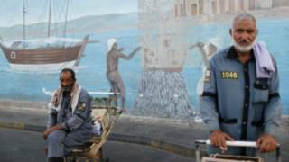 عمال آسيويين في دبي