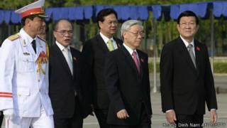 Các nhà lãnh đạo Việt Nam từ trái sang - Chủ tịch Quốc hội Nguyễn Sinh Hùng, Thủ tướng Nguyễn Tấn Dũng, Tổng bí thư Nguyễn Phú Trọng và Chủ tịch nước Trương Tấn Sang
