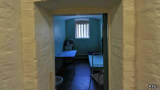 Пустая тюремная камера