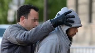 پیرس: مشتبہ حملہ آور