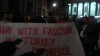 Londra'daki Trafalgar Meydanı'nda dayanışma eylemi