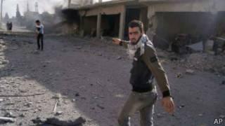 Região de Qusair bombardeada por forças sírias e do Hezbollah (foto: AP I Qusair Lens))