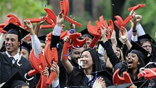 大學畢業生中無償實習的大多數是女生。