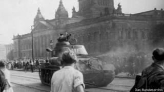 Советский танк в Лейпциге (17 июня 1953 г.)