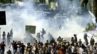 2001年熱那亞八國峰會期間示威者和警察衝突