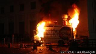 van incendiada (foto: BBC)