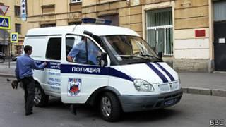 Полицейские у здания суда