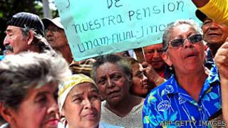 Protestas de ancianos por una pensión reducida en Nicaragua en julio de 2012