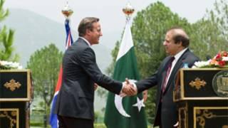 David Cameron (L) with Navaz Sharif