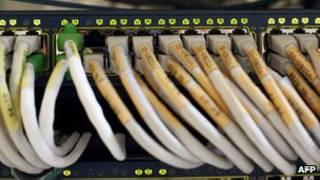لوموند می گوید سازمان های اطلاعاتی فرانسه به این اطلاعات دسترسی دارند
