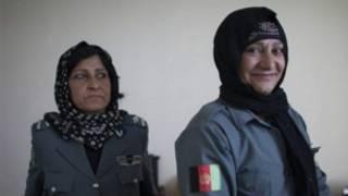 Wasu mata 'yan sanda a Afghanistan