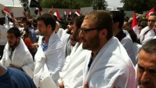 Fatih Camisi'nde Muhammed Mursi'ye destek eylemi