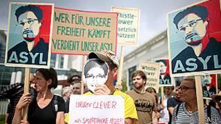 Protesto sobre Snowden (Foto AFP)