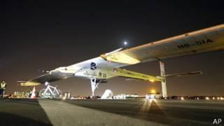 Самолет Solar Impulse на аэродроме в Калифорнии (3 мая 2013 года)