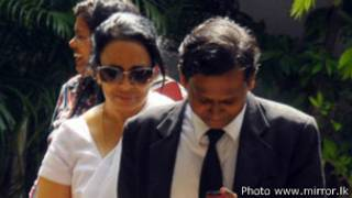 Vaas Gunawardene's wife, Shyamali Perera arriving at court (file photo)