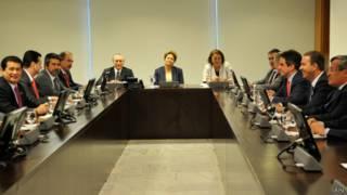 Presidente Dilma Rousseff discute com partidos as propostas para a reforma política | Foto: Antonio Cruz/ABr