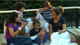 Gia đình bà Nabila Hamdy