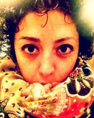لوا زند، وبلاگ نویس و فعال حقوق زنان