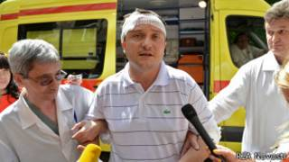 Избитый депутат Худяков приехал в СК на опознание подозреваемых