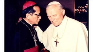 Cố Hồng y Nguyễn Văn Thuận và Cố Giáo hoàng John Paul II