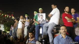Mısır'da Mursi ve Müslüman Kardeşler üyeleri eylemde
