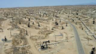 حقول نفط في كاليفورنيا