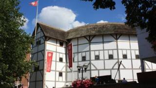 莎士比亚环球剧场于1997年开幕,同1599年所建最初始的环球剧院,相隔仅几步之遥。