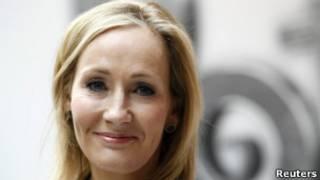 罗琳因为《哈利·波特》系列小说名利双收。