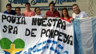 Argentinos à espera do papa (Luis Barrucho/BBC Brasil)