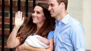 दुनिया को मिली ब्रितानी शाही बच्चे की झलक