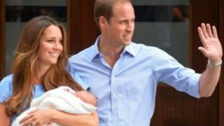 الطفل الملكي مع أبويه