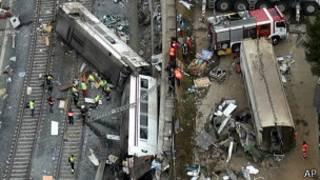 Vista del accidente de tren en Santiago de Compostela.