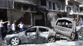 Сирийцы на месте взрыва в пригороде Бейрута