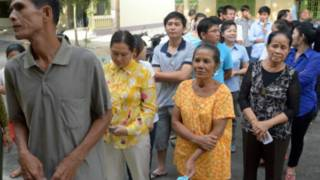 Người dân Campuchia đi bầu