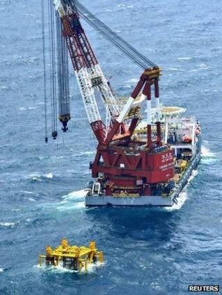 日本拍得中國在東海建設新油氣鑽探設施情況的照片(5/7/2013)