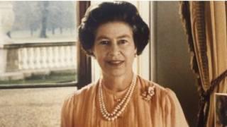 ملکه بریتانیا در سی سال پیش