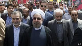 Хасан Роухани на демонстрации в Тегеране