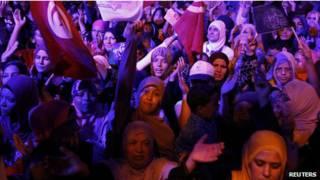 Митинг в поддержку правительства Туниса 3 августа 2013 г.