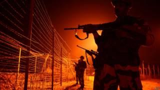 भारतीय अधिकारियों के मुताबिक ये घटना मंगलवार तड़के भारतीय सेना की एक चौकी पर घटी है