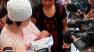 یکی از نوزادان یافت شده